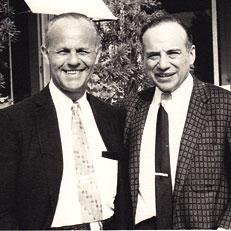 Benjamin Graham avec, à gauche, son associé Jérôme Newman